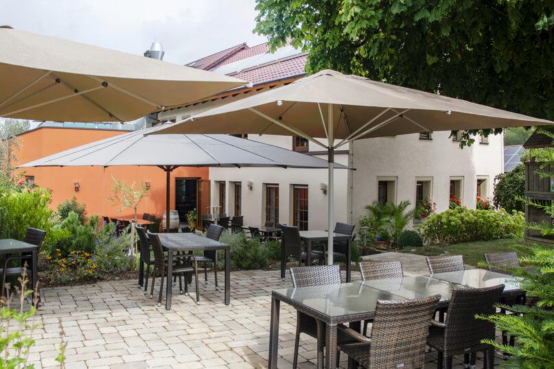 restaurant-galerie-5-aussen-terasse(1)